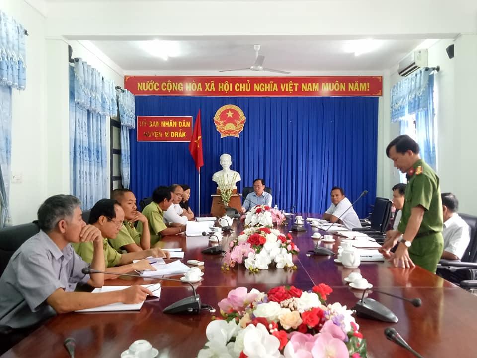 UBND huyện M'Đrắk: Tăng cường các biện pháp ngăn chặn khai thác, vận chuyển lâm sản trái phép