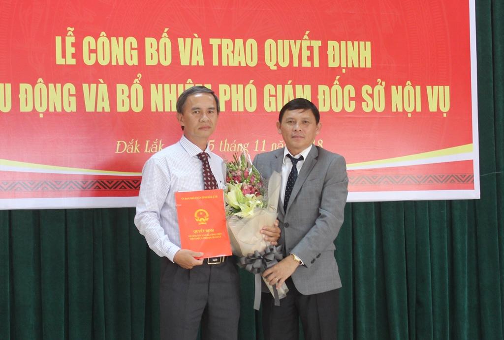 UBND tỉnh công bố quyết định bổ nhiệm Phó Giám đốc Sở Nội vụ