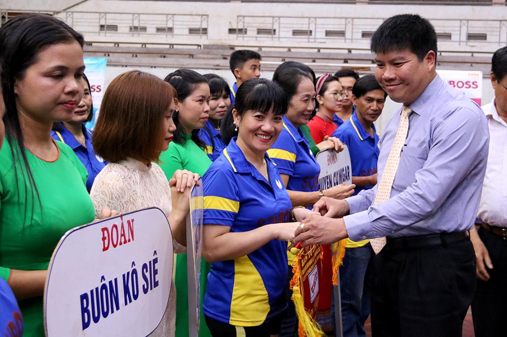 152 vận động viên tham gia Giải bóng bàn hạng A, B, C tỉnh Đắk Lắk năm 2018