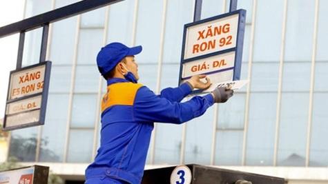 Giá xăng giảm mạnh từ chiều nay