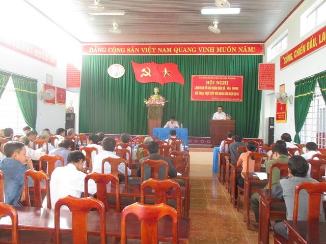 Đối thoại trực tiếp giữa lãnh đạo UBND xã Hòa Phong với nhân dân