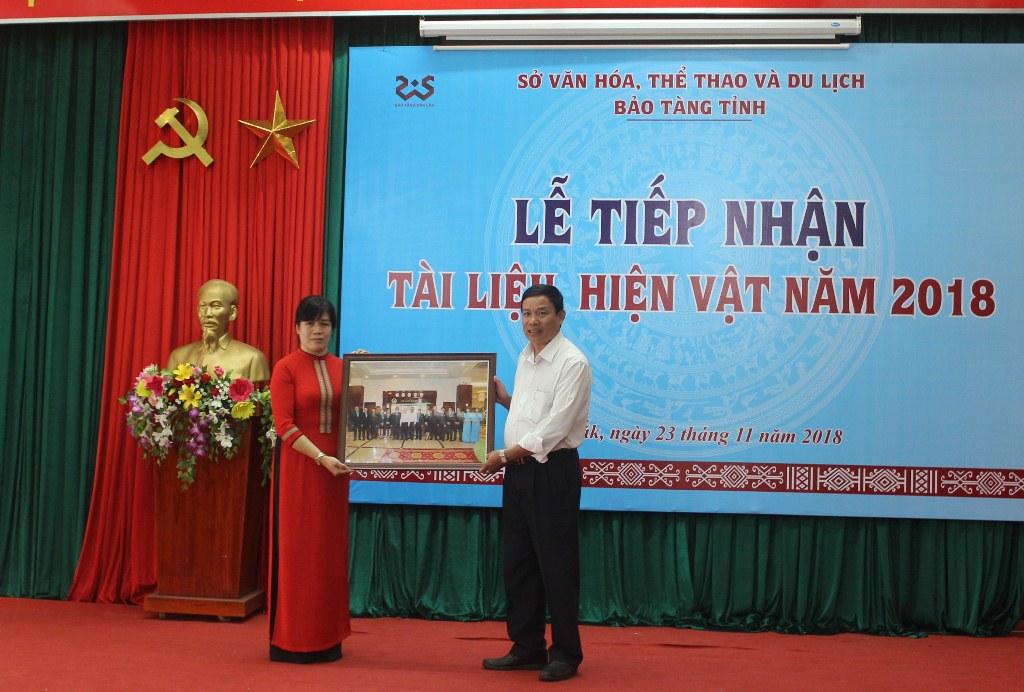 Bảo tàng tỉnh tổ chức Lễ tiếp nhận tư liệu, hiện vật được hiến tặng