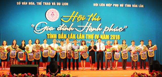 Quyết định điều chỉnh, bổ sung thay thế một số nội dung của Kế hoạch thực hiện Chiến lược quốc gia về Bình đẳng giới tỉnh Đắk Lắk giai đoạn 2016-2020
