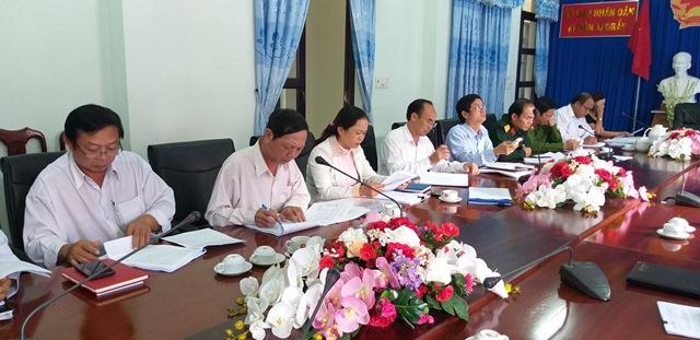 UBND huyện M'Đrắk họp thông qua dự thảo các nội dung trình Kỳ họp thứ 10, HĐND huyện khóa XI, nhiệm kỳ 2016-2021