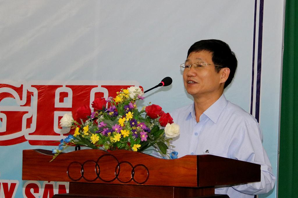 Phó Giám đốc Sở Nông nghiệp và Phát triển nông thôn Mai Trọng Dũng phát biểu khai mạc hội nghị tập huấn.