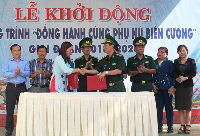 """Các cấp Hội Phụ nữ tỉnh Đắk Lắk """"Đồng hành cùng phụ nữ biên cương"""""""