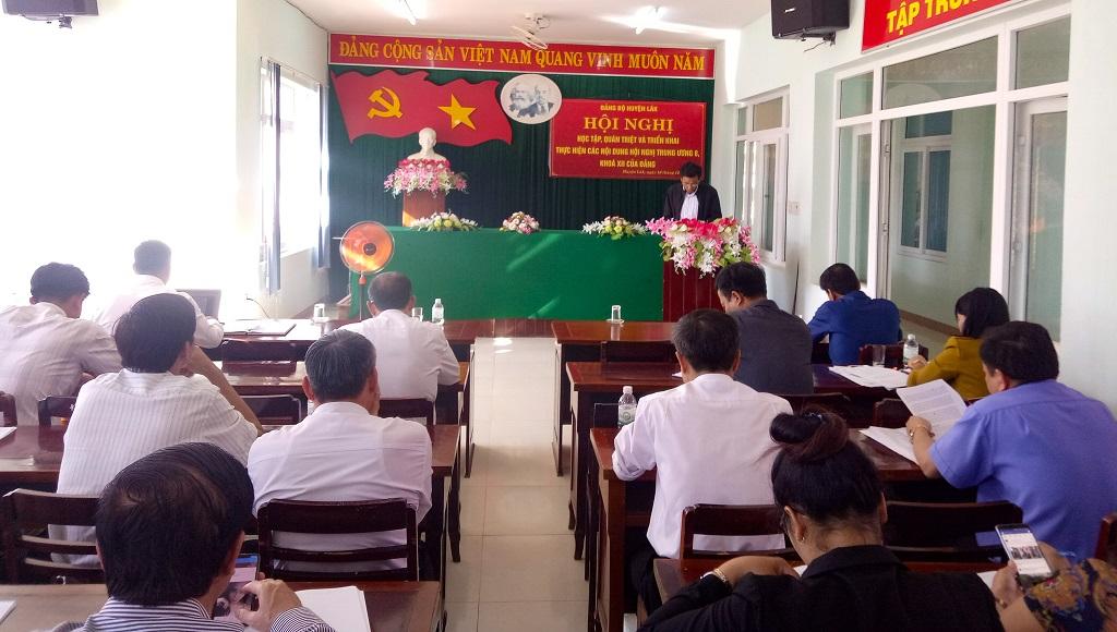 Huyện ủy Lắk : Thông báo kết quả Hội nghị lần thứ 8, Ban Chấp hành Trung ương Đảng khóa XII