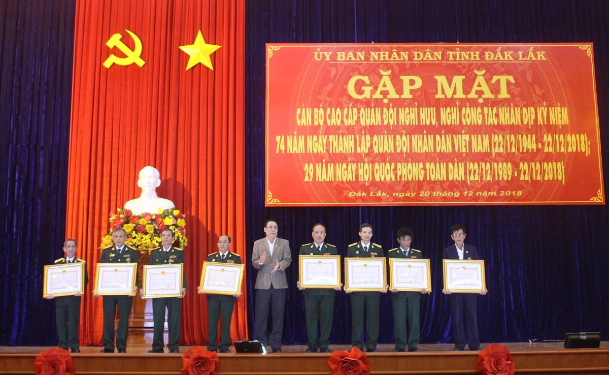 Gặp mặt cán bộ cao cấp quân đội nghỉ hưu, nghỉ công tác nhân Ngày thành lập Quân đội Nhân dân Việt Nam 22/12