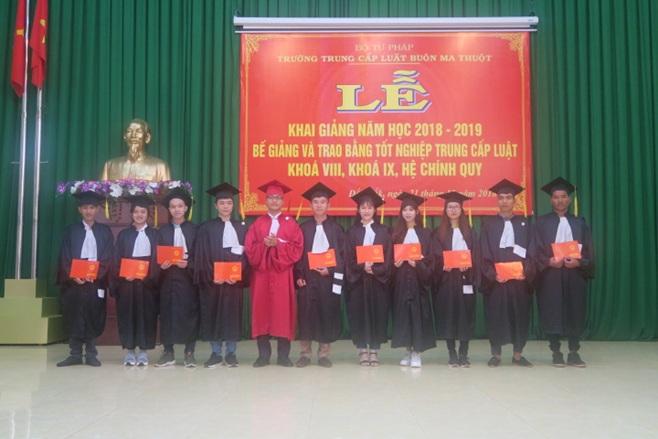 Trường Trung cấp Luật Buôn Ma Thuột tổ chức Lễ khai giảng, Bế giảng và trao bằng tốt nghiệp trung cấp chuyên nghiệp Ngành Pháp luật