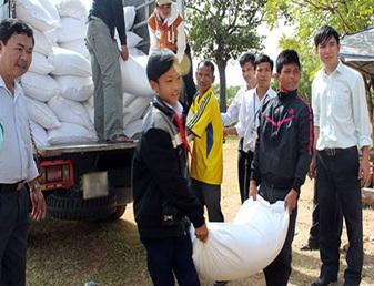 Hỗ trợ gạo cho học sinh học kỳ II năm học 2015-2016