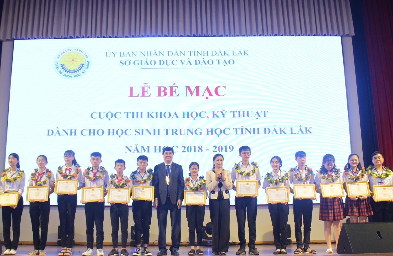 Bế mạc Cuộc thi khoa học, kỹ thuật dành cho học sinh trung học tỉnh Đắk Lắk năm học 2018-2019