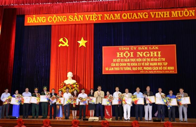 Hội nghị sơ kết 2 năm thực hiện Chỉ thị số 05 của Bộ Chính trị