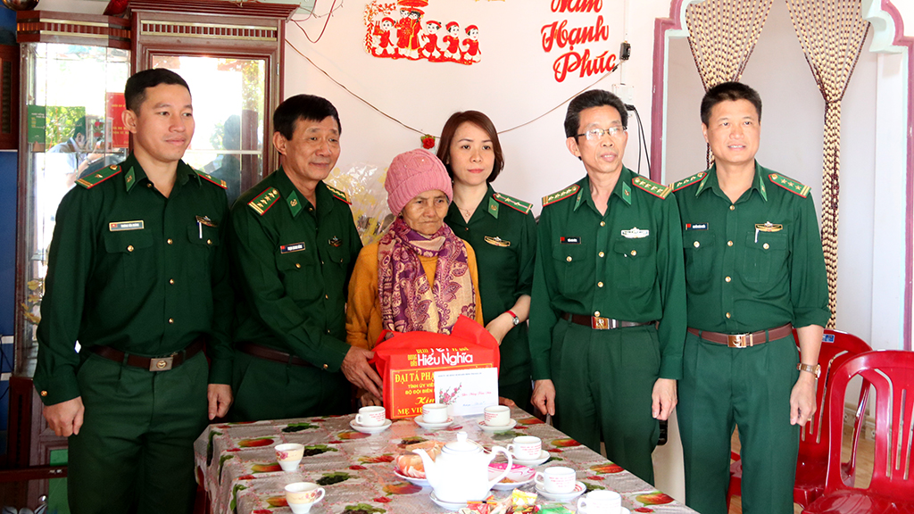 Bộ đội Biên phòng tỉnh thăm chúc Tết các xã Biên giới