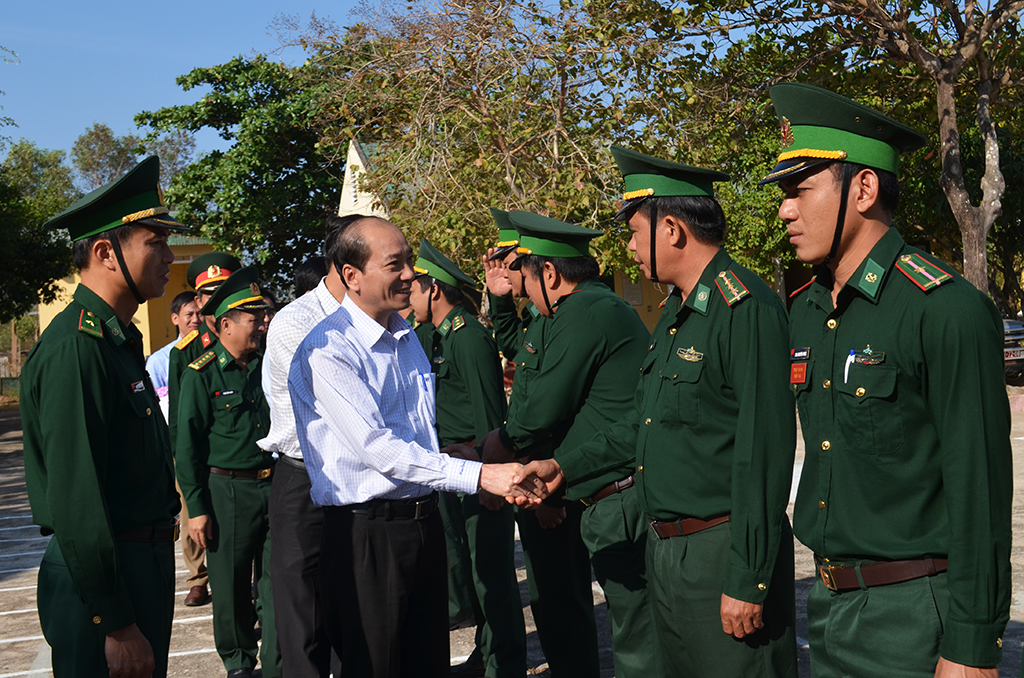 Chủ tịch UBND tỉnh Phạm Ngọc Nghị thăm và chúc Tết các đơn vị Bộ đội Biên phòng