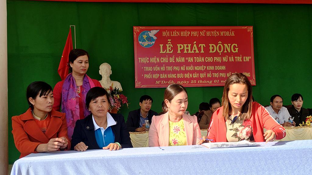 """Hội LHPN huyện M'Đrắk Tổ chức lễ phát động năm thi đua """"An toàn cho phụ nữ và trẻ em"""""""