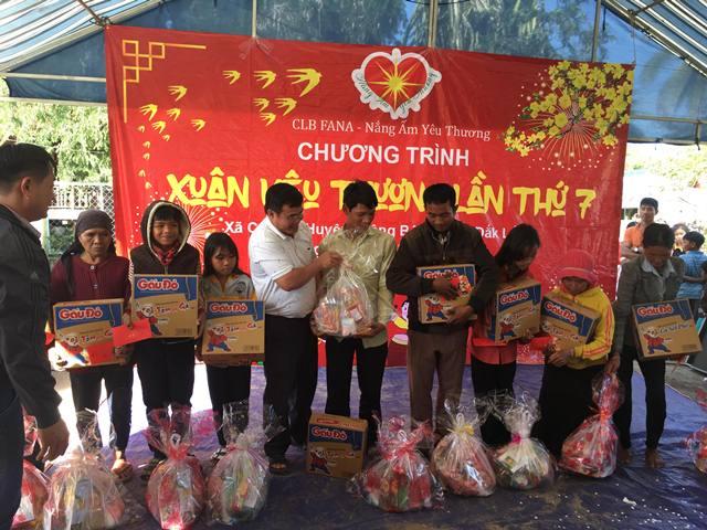 Chăm lo Tết cho người dân xã Cư Pui