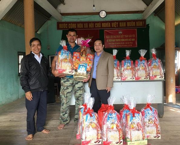 Sở Tư pháp thăm và chúc Tết buôn Plum, xã Ea Trul, huyện Krông Bông