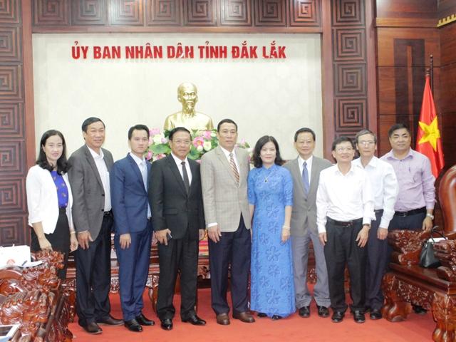 Tổng Lãnh sự quán Lào tại Đà Nẵng chào xã giao lãnh đạo UBND tỉnh Đắk Lắk