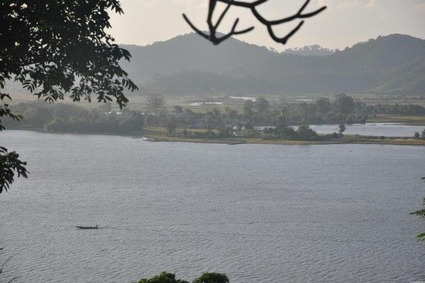 Di tích danh lam thắng cảnh Hồ Lăk