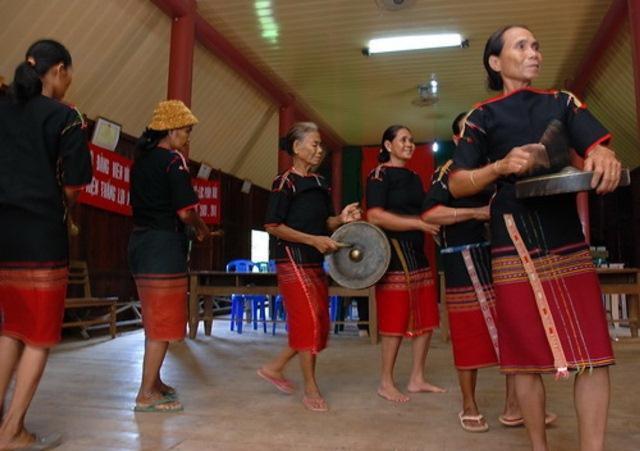 Tiếp nối nhịp chiêng nữ ở các buôn làng Đắk Lắk
