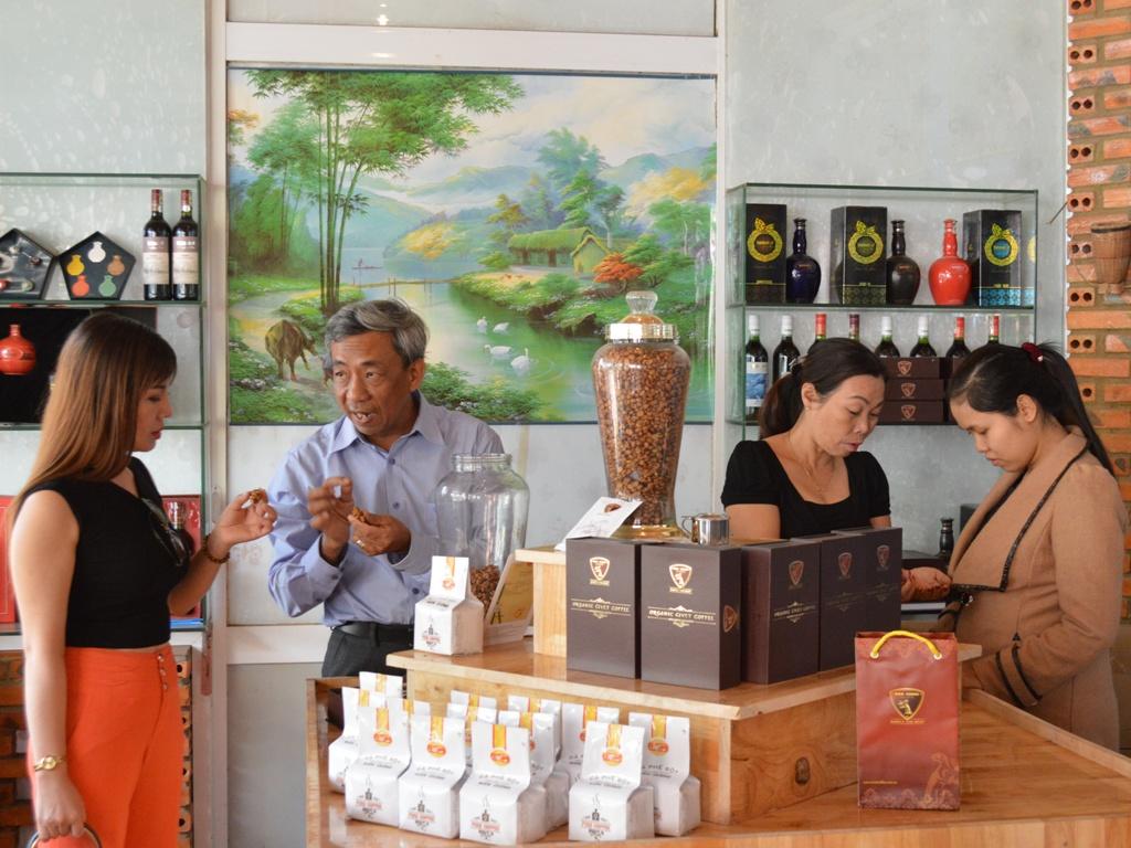 38 điểm phục vụ cà phê miễn phí đã sẵn sàng tiếp đón du khách mùa lễ hội.