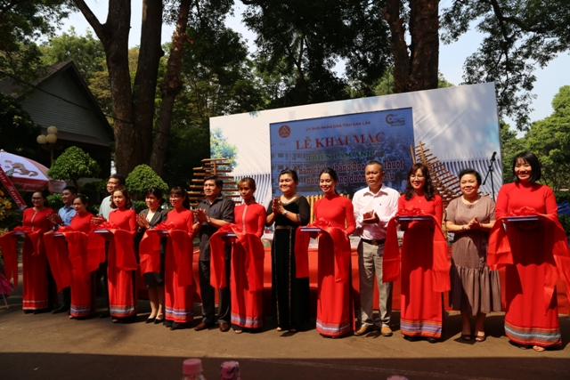 Opening Photo Exhibition of the 44th anniversary of Buon Ma Thuot Victory - Paths of History