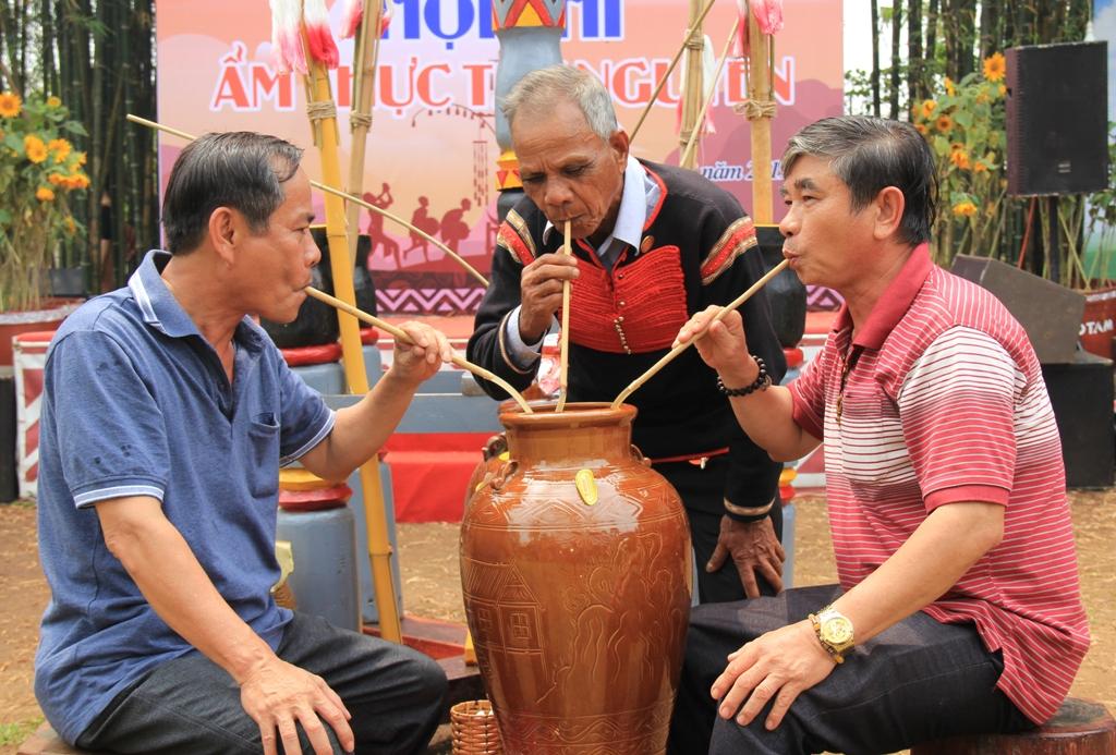Tổ chức nhiều hoạt động đặc sắc tại Hội thi Ẩm thực Tây Nguyên