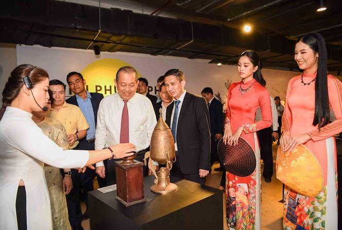 Lãnh đạo Trung ương thăm một số địa điểm văn hóa tại thành phố Buôn Ma Thuột