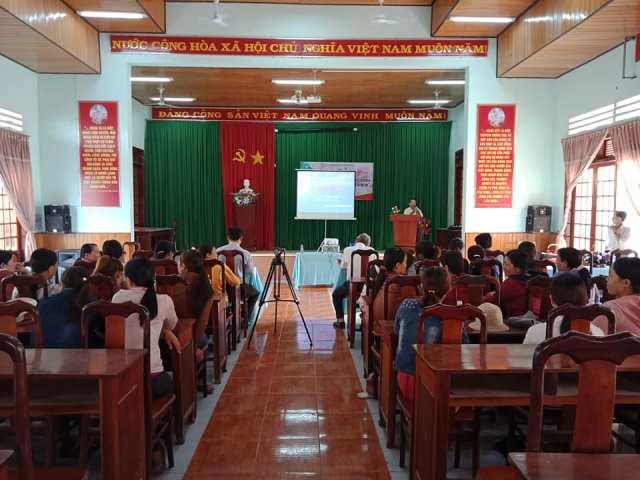 Dạy nghề may dân dụng cho lao động nông thôn tại xã Cư Kty, huyện Krông Bông