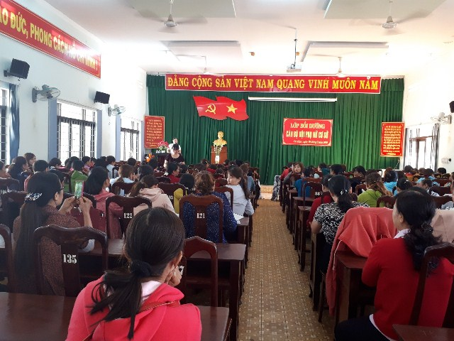 Hội Liên hiệp Phụ nữ huyện Cư M'gar tập huấn bồi dưỡng chính trị và nghiệp vụ năm 2019