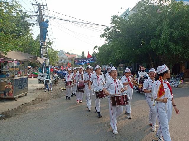 Huyện Lắk diễu hành hưởng ứng Giờ Trái đất năm 2019