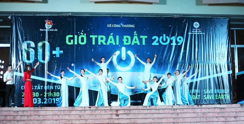 Đắk Lắk: Hưởng ứng Giờ Trái đất năm 2019