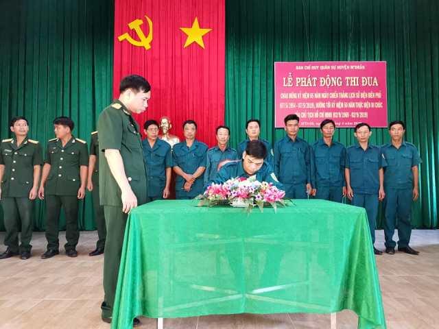 Ban Chỉ huy Quân sự huyện M'Đrắk phát động thi đua cao điểm chào mừng 65 năm Chiến thắng lịch sử Điện Biên Phủ,