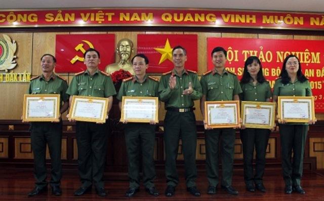 """Hội thảo nghiệm thu công trình """"Lịch sử Đảng bộ Công an Đắk Lắk, giai đoạn 1975-2015"""""""