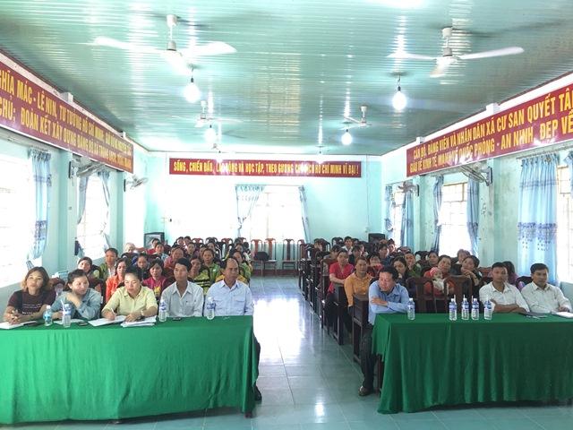 Khai giảng lớp dạy nghề chăn nuôi heo tại xã Cư San huyện M'Đrắk