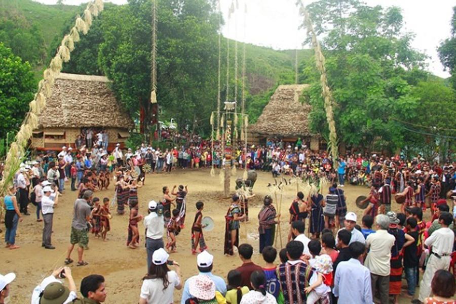 Tổ chức các hoạt động Ngày Văn hóa các dân tộc Việt Nam năm 2019 tại Làng Văn hóa – Du lịch các dân tộc Việt Nam.
