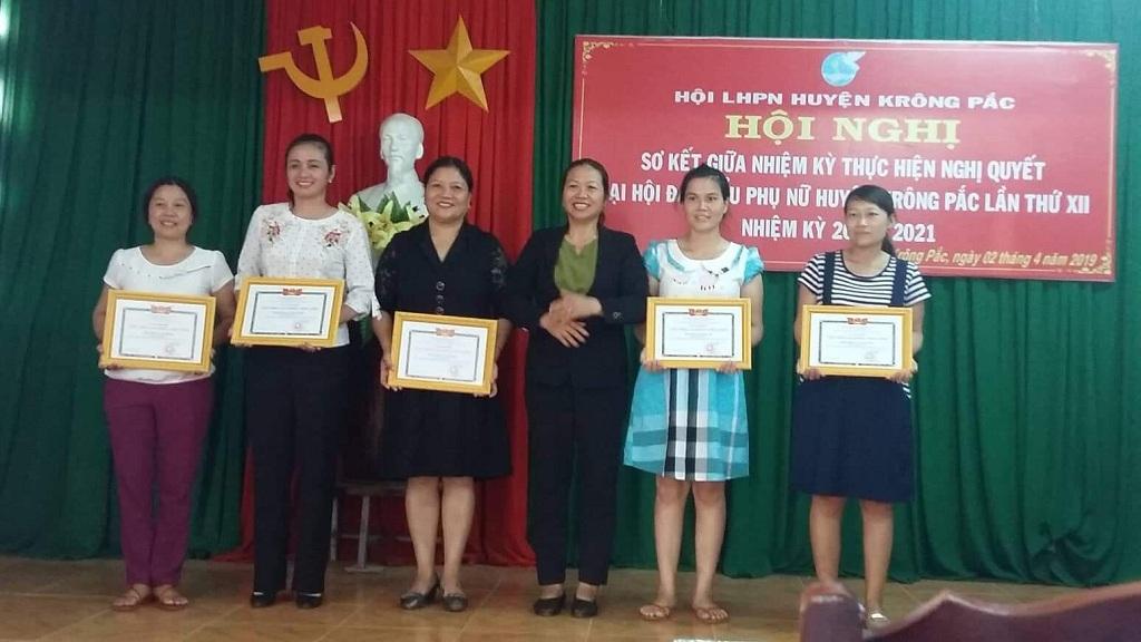 Hội Liên hiệp Phụ nữ huyện Krông Pắk tổ chức Hội nghị sơ kết giữa nhiệm kỳ thực hiện Nghị quyết Đại hội đại biểu Phụ nữ huyện lần thứ XII, nhiệm kỳ 2016 - 2021