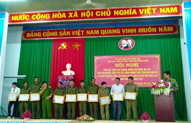 Huyện Lắk tổng kết công tác phòng chống tội phạm ma túy mua bán người và phong trào toàn dân bảo vệ ANTQ