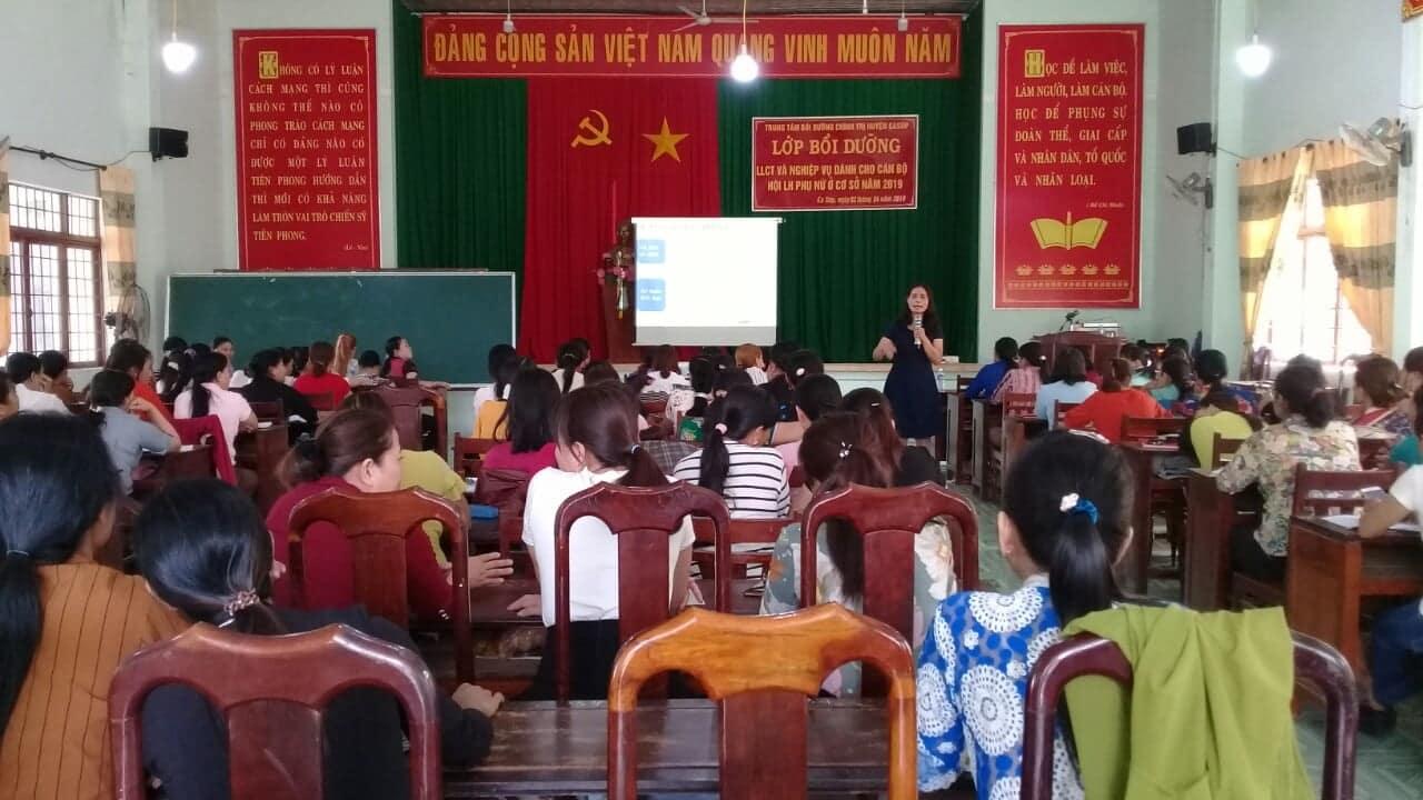 Huyện Ea Súp: Tổ chức lớp Bồi dưỡng chính trị và nghiệp vụ công tác Hội cho cán bộ Hội phụ nữ cơ sở năm 2019