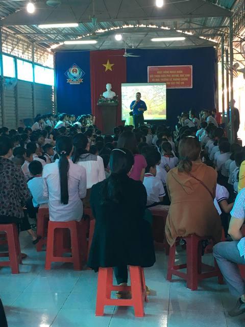 Hội LHPN thị trấn Ea Kar đối thoại về phòng chống xâm hại tình dục trẻ em