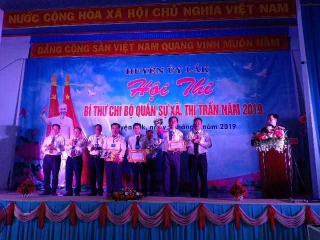 Huyện ủy Lắk tổ chức Hội thi Bí thư Chi bộ Quân sự xã, thị trấn năm 2019