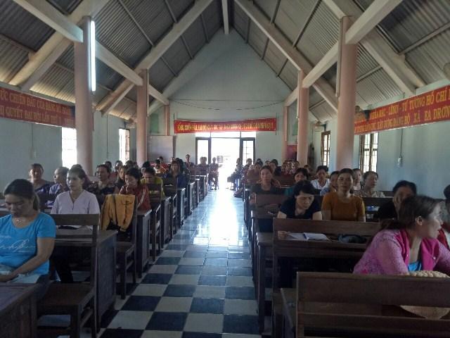 Hội Liên hiệp Phụ nữ xã Ea Drơng, huyện Cư M'gar tổ chức Hội nghị Đối thoại giữa người đứng đầu cấp ủy, chính quyền với cán bộ, hội viên, phụ nữ.