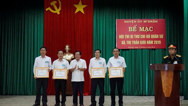 Huyện M'Đrắk tổ chức Hội thi Bí thư chi bộ Quân sự xã, thị trấn giỏi năm 2019