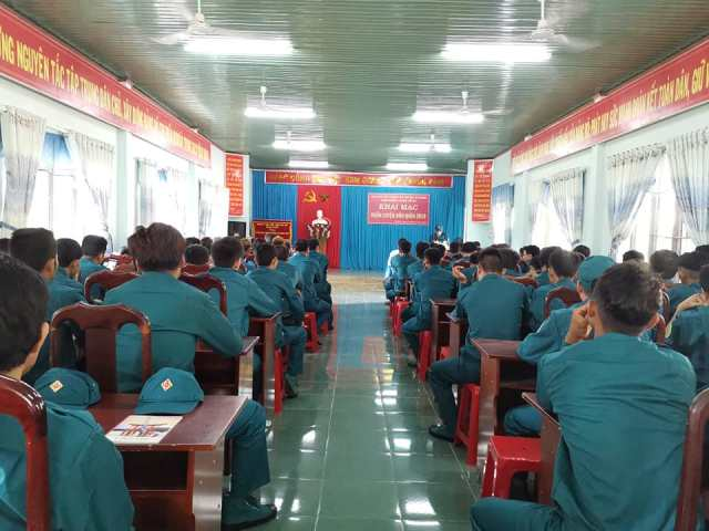 Ban Chỉ huy Quân sự huyện M'Đrắk khai mạc huấn luyện dân quân năm 2019