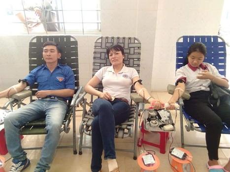 Hơn 500 đoàn viên, thanh niên huyện Cư Kuin tham gia hiến máu tình nguyện