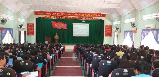 Thành phố Buôn Ma Thuột: Hội nghị phổ biến các văn bản Luật cho gần 250 cán bộ, hội viên phụ nữ trên địa bàn