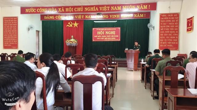Huyện Cư Kuin tổ chức Hội nghị phổ biến, quán triệt các luật mới ban hành.
