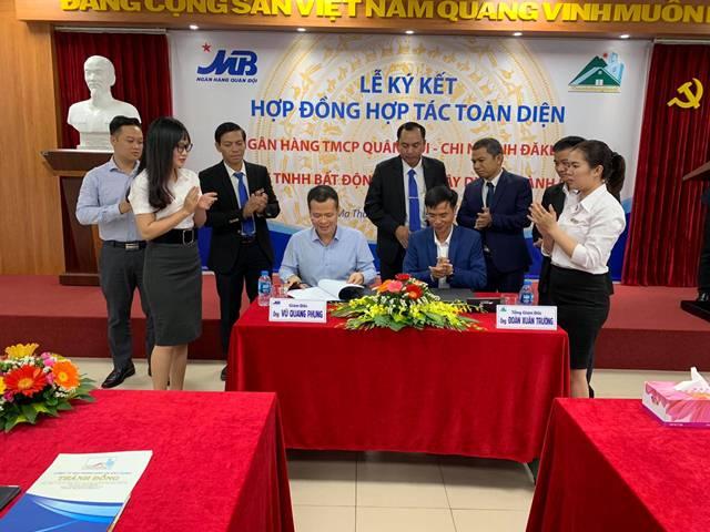 Công ty TNHH Bất động sản và Xây dựng Thành Đồng ký kết hợp tác với Ngân hàng Thương mại cổ phần Quân đội tại Đắk Lắk