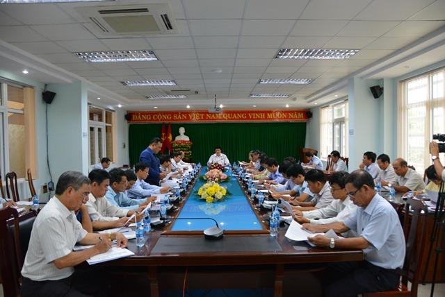 Thành ủy Buôn Ma Thuột, tổ chức Hội nghị giao ban thường kỳ với Bí thư Đảng ủy các xã, phường.