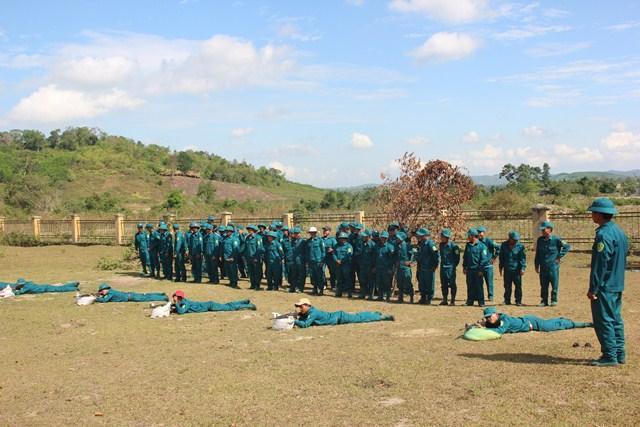 Cụm huấn luyện số V - Ban Chỉ huy Quân sự huyện Krông Bông tổ chức huấn luyện cho lực lượng Dân quân cơ động năm thứ II trở đi.